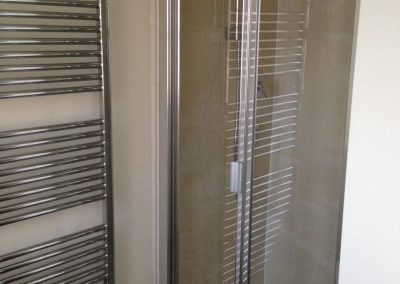 4E) DM Towel Rail 2